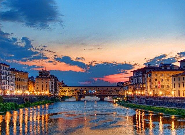Viaggi: Air Dolomiti riattiva i collegamenti da Firenze a Palermo e Catania