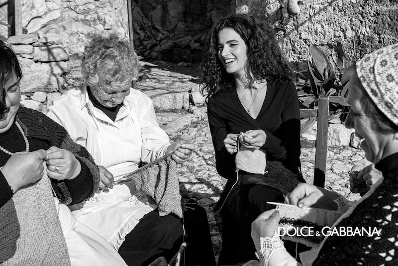 Nuovo shooting Dolce e Gabbana in Sicilia: le collezioni AW 2020/2021 nella Grotta Mangiapane