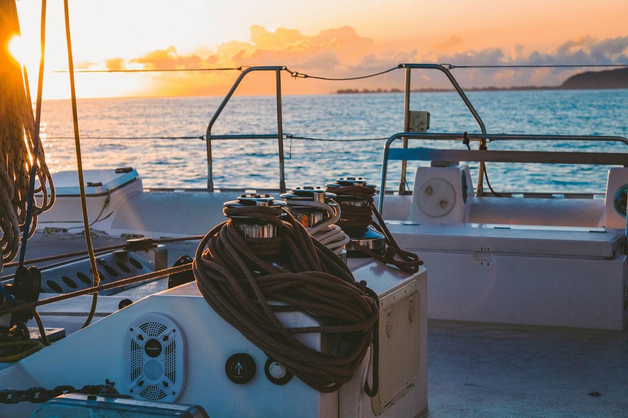 Due yacht da crociera luxury ormeggiati al Porto di Palermo