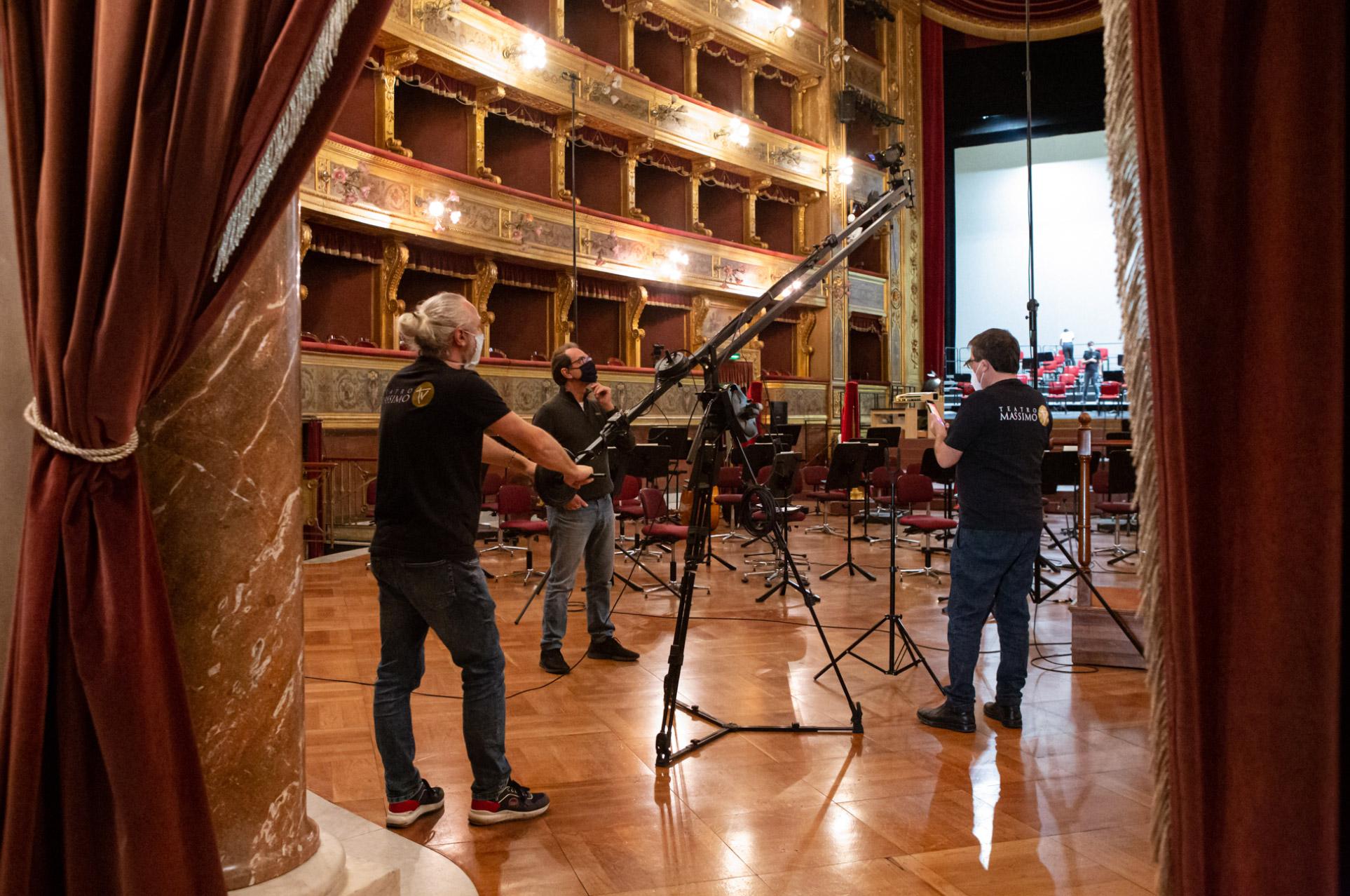 Il Teatro Massimo non si ferma: nuova programmazione di spettacoli da vedere in streaming