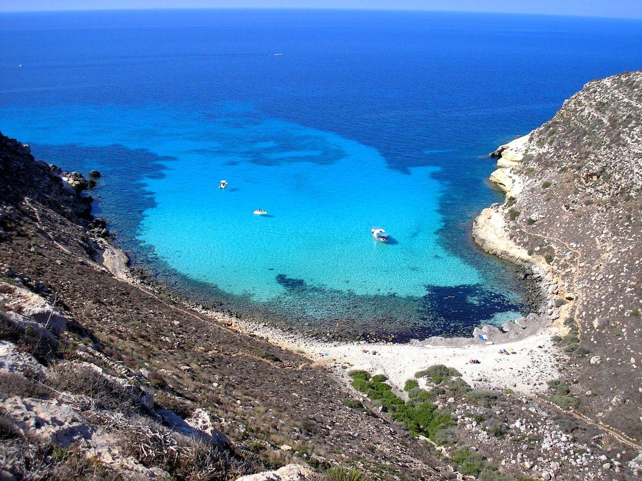 Case al mare, è corsa all'acquisto: boom di richieste a Linosa e Lampedusa