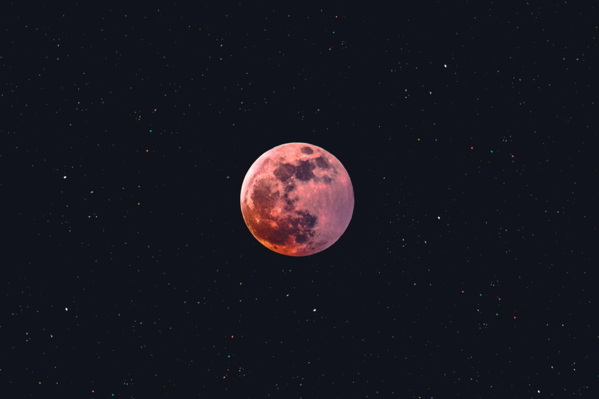 Moon Watch Party: al Planetario di Villa Filippina una serata dedicata alla Luna